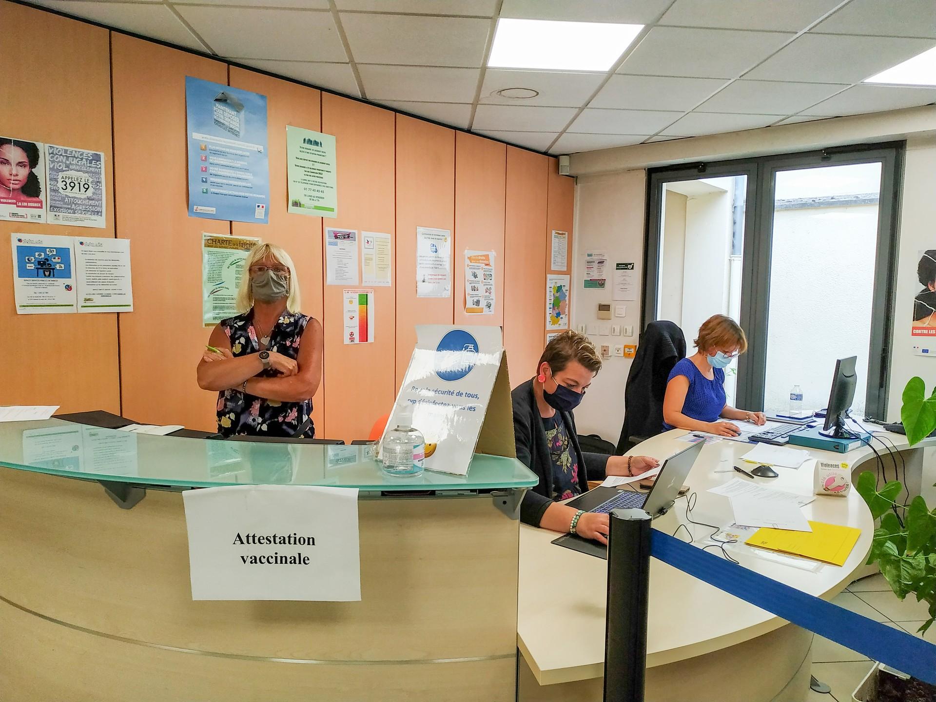 Accueil du centre de vaccination lors de la première session.